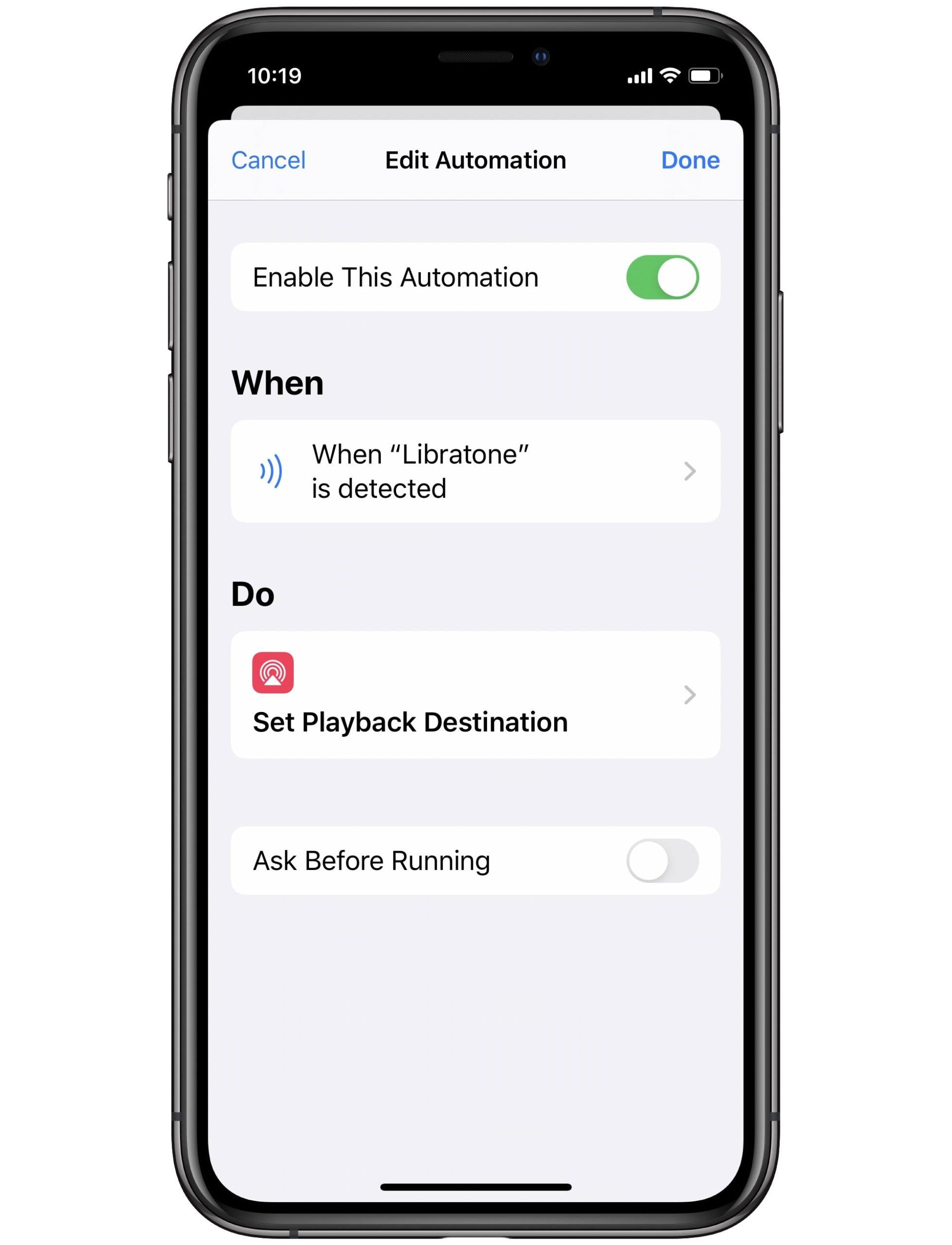 Mueva su iPhone sobre una pegatina NFC y conéctese a un altavoz AirPlay.